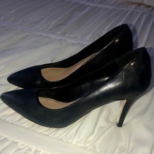 ALDO Black Pointed Closed Toed Heels